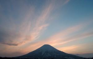 夕焼けと羊蹄山
